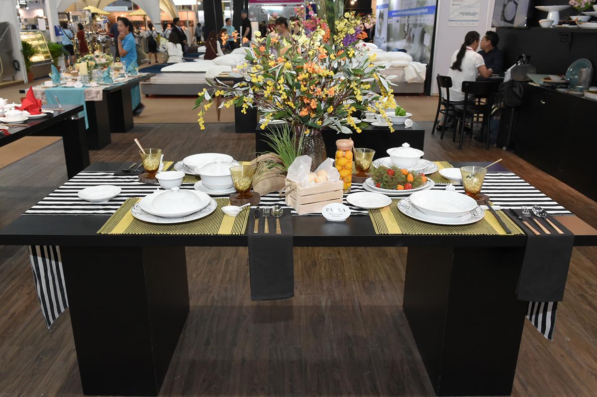 จัดโต๊ะอาหาร เมนูตะวันตก
